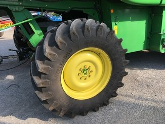 Moissonneuse batteuse John Deere T 660 4x4 - 5