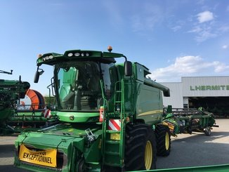 Moissonneuse batteuse John Deere T 660 4x4 - 1