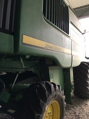 Moissonneuse batteuse John Deere T550 - 2
