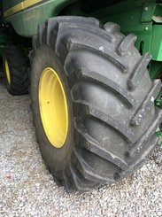 Moissonneuse batteuse John Deere T550 - 7