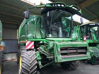 Moissonneuse batteuse John Deere T660 - 1