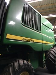 Moissonneuse batteuse John Deere T660 - 4