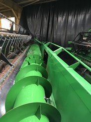 Moissonneuse batteuse John Deere T660 - 11