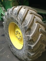 Moissonneuse batteuse John Deere T660 - 8
